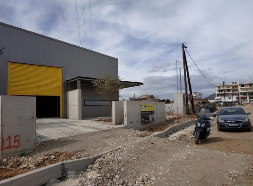 Ανέγερση ισόγειου μεταλλικού καταστήματος επιγραφών Φίρμα στο Αγρίνιο